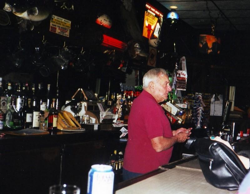 Mickey's Tavern Bucktown Chicago image