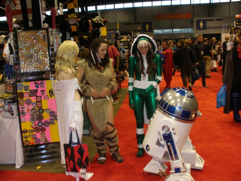 R2D2 at C2E2 in Chicago
