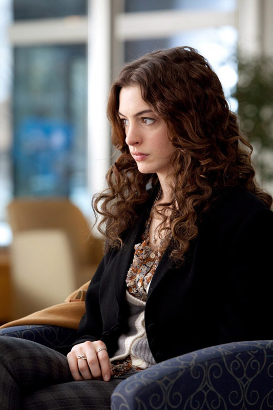 Anne-Hathaway-Hair 3