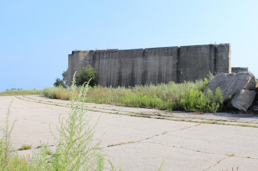 iron-ore-wall