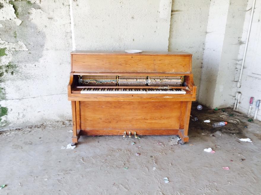 piano-63rd-street-beach